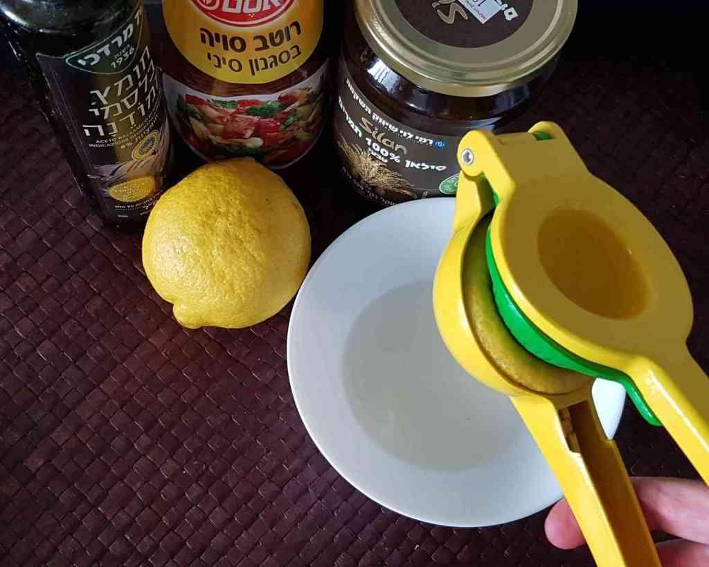 מתכון לסלט שורשים עם רוטב אסייתי בטעם מקורי ובריא
