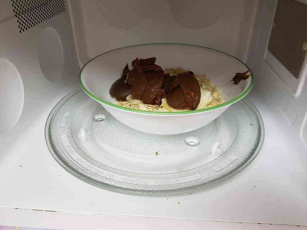עוגת עקיצת הדבורה ללא אפייה