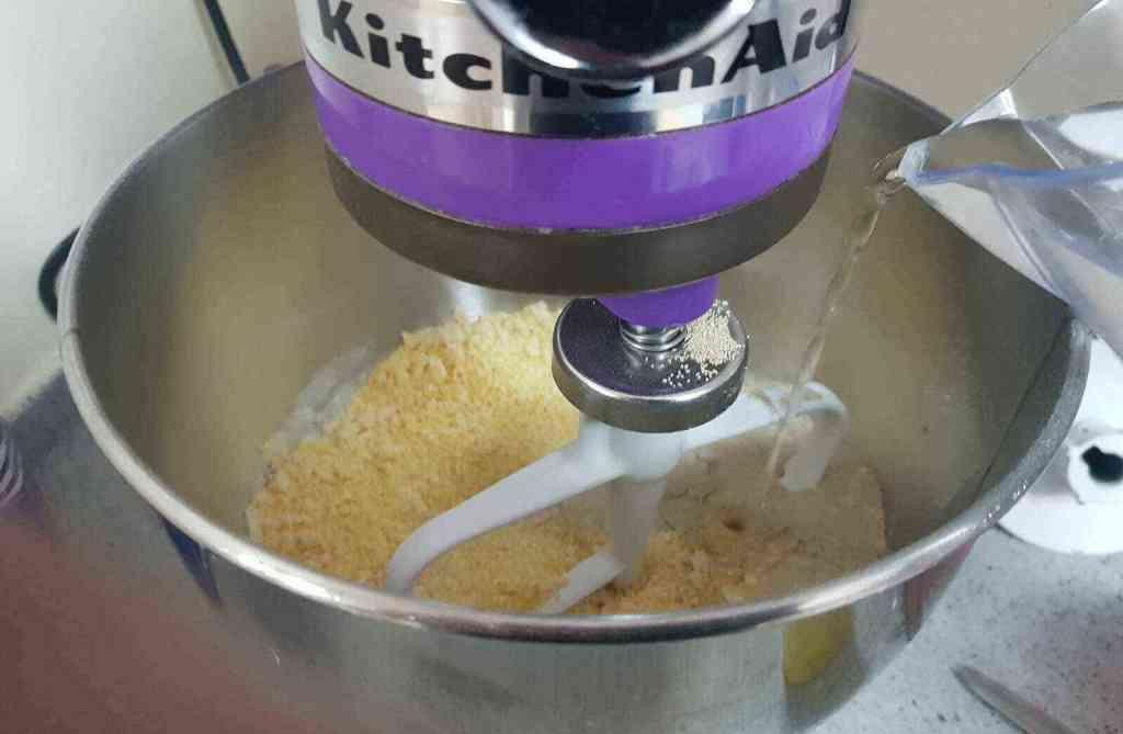 מתכון לצ'אדי- לביבות גרוזיניות מקמח תירס