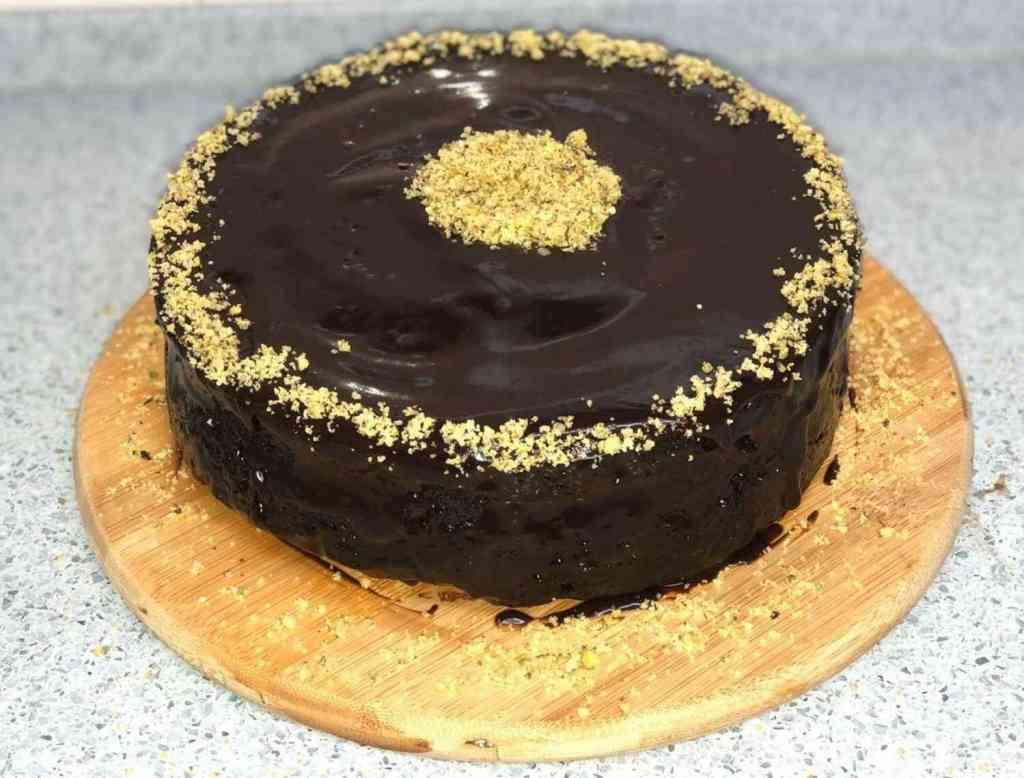 עוגת שוקולד עשויה במיקרוגל כשרה לפסח