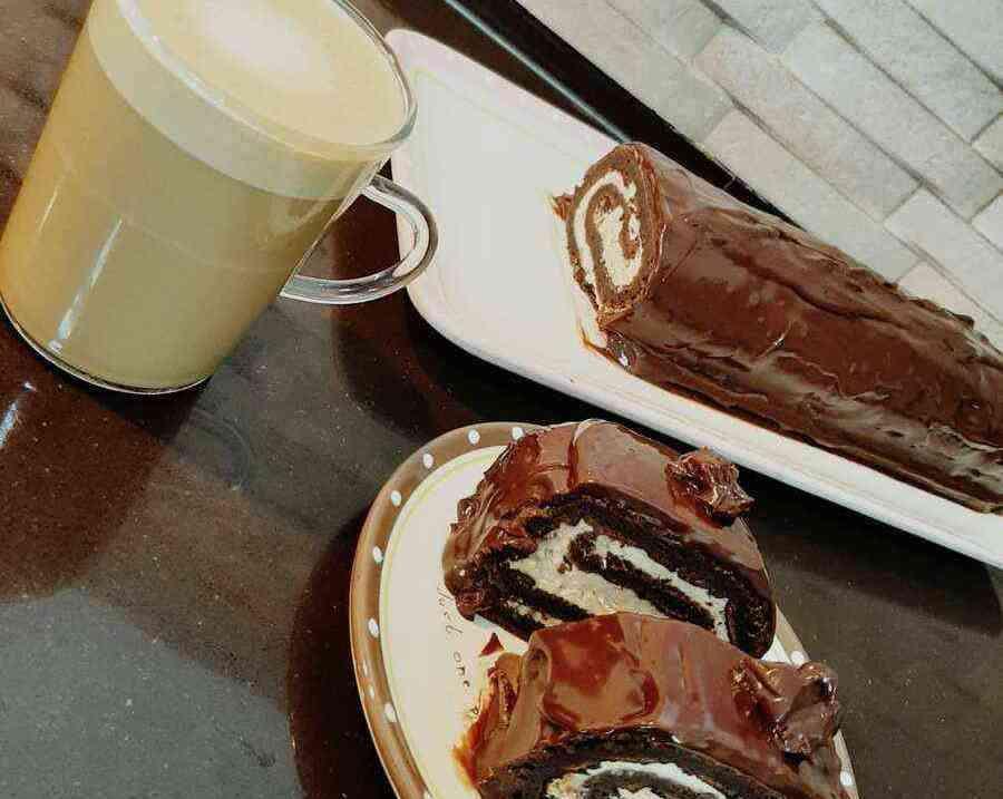 רולדת שוקולד במילוי קרם מוקה של קרין גורן