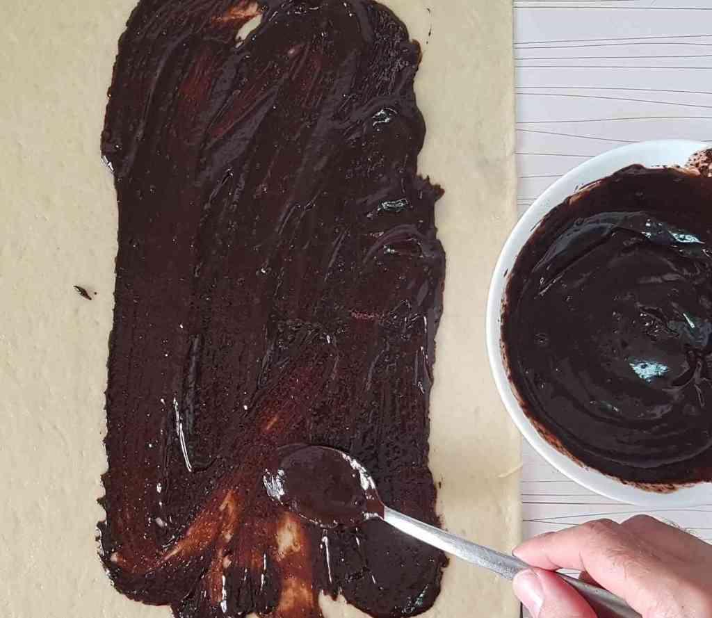 מתכון להכנת עוגת שמרים שוקולד מעולה פרווה