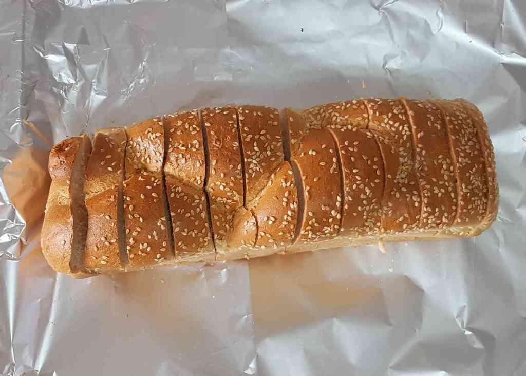 מתכון ללחם שום מהיר שנעשה בקלי קלות.