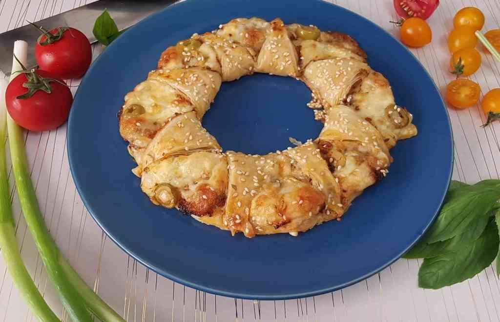 מתכון למלאווח שמש עם גבינות ורוטב עגבניות