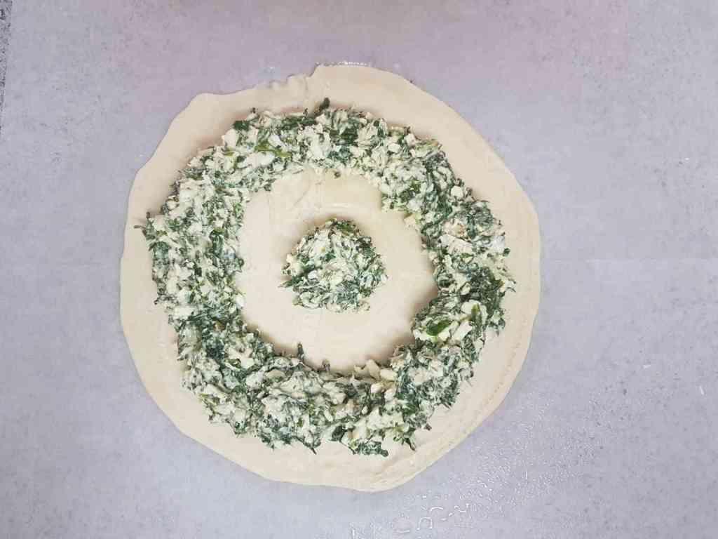 מלאווח שמש במילוי גבינות ותרד