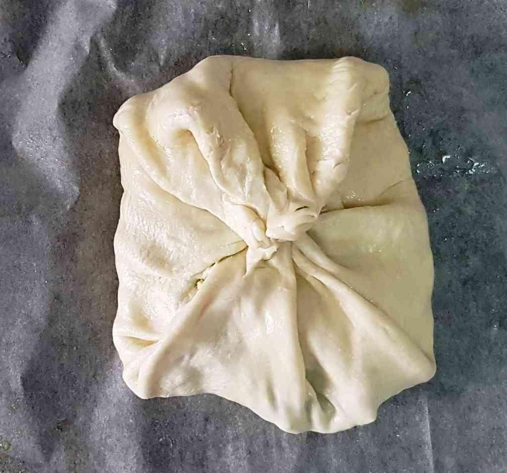 בורקס במילוי טופו מבצק מלאווח מתכון מ-3 מרכיבים