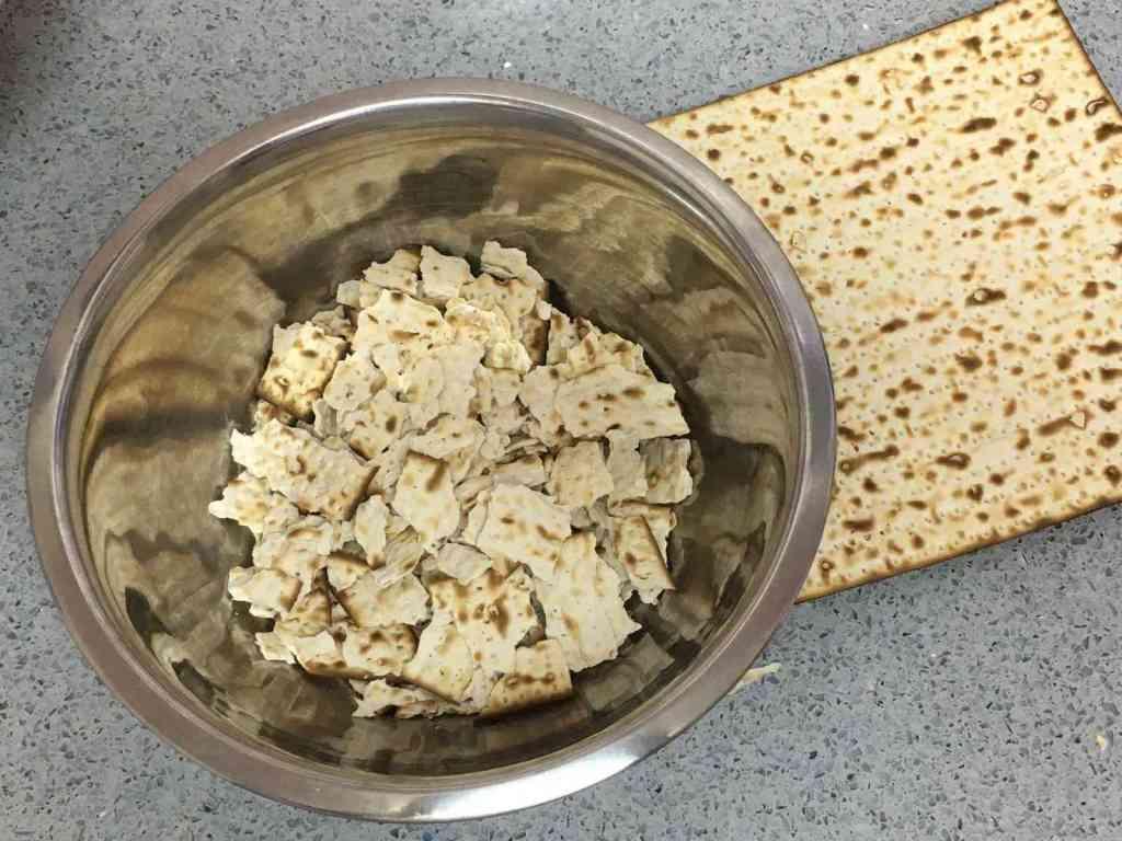 צה ברייט או בריי המאכל האהוב והמוכר ביותר של ימי חג הפסח