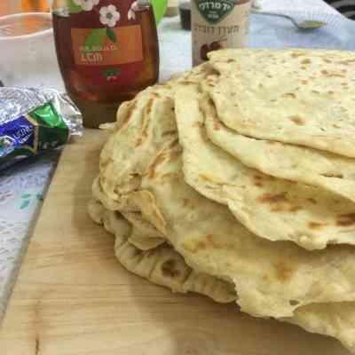 מוּפְלֶטָה מרוקאי למוצאי חג הפסח המימונה