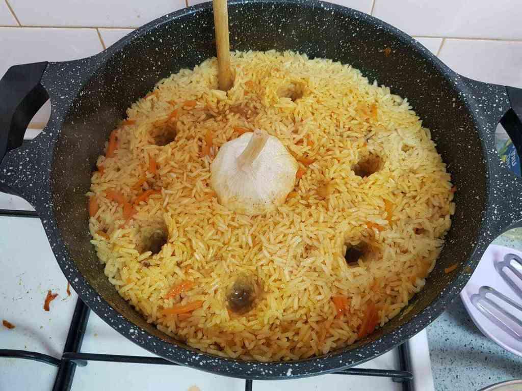 מתכון אושפלאו מסורתי קל ומהיר להכנה -  אורז עם בשר מהמטבח הבוכרי.