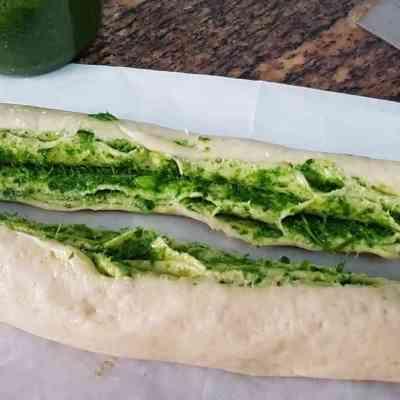 לחם פסטו עם טעם וריח מושלם,שישלים כל ארוחה.