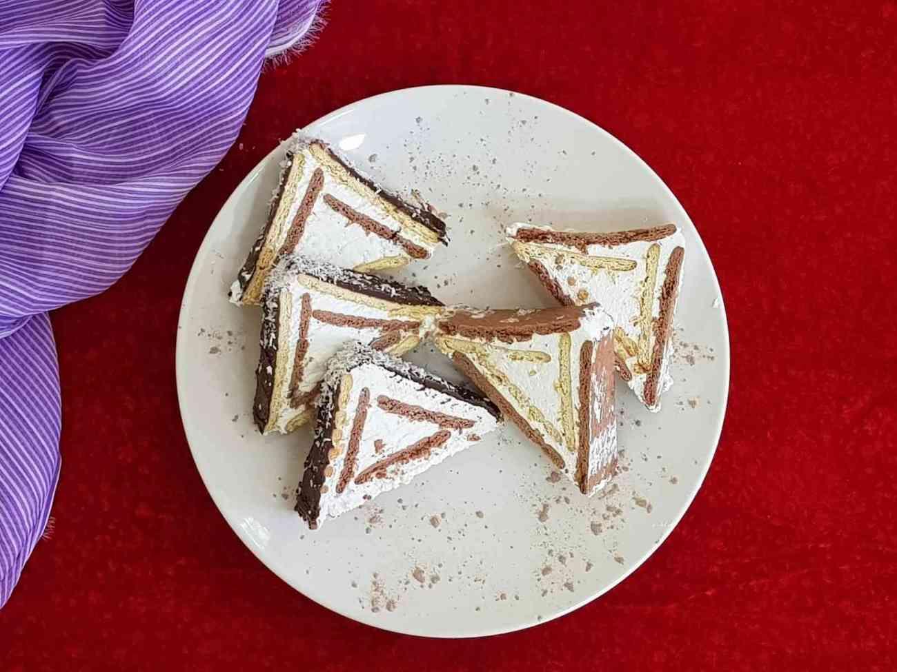 עוגת ביסקוויטים פירמידה