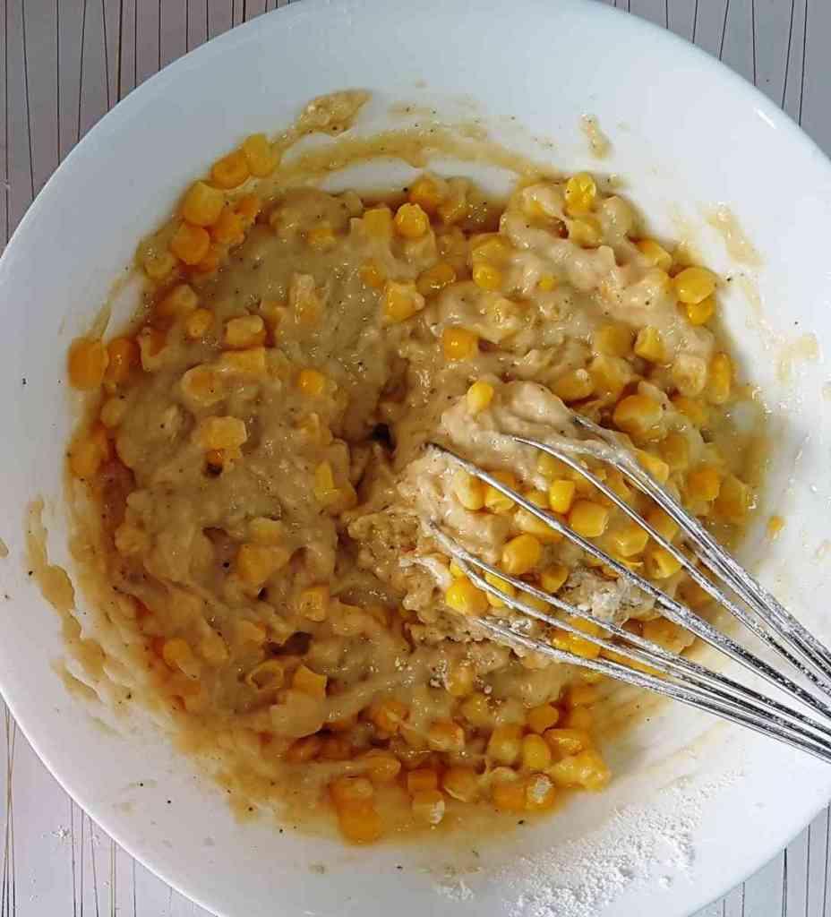 מאפינס טונה ותירס בתוספת גבינות.